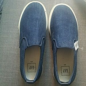 New with tag; Gap Demin Shoes